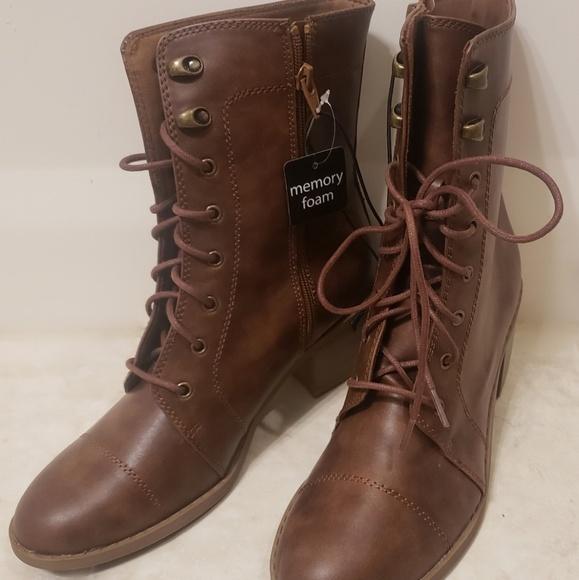 Nwt Arizona Keela Brown Lace Up Boots